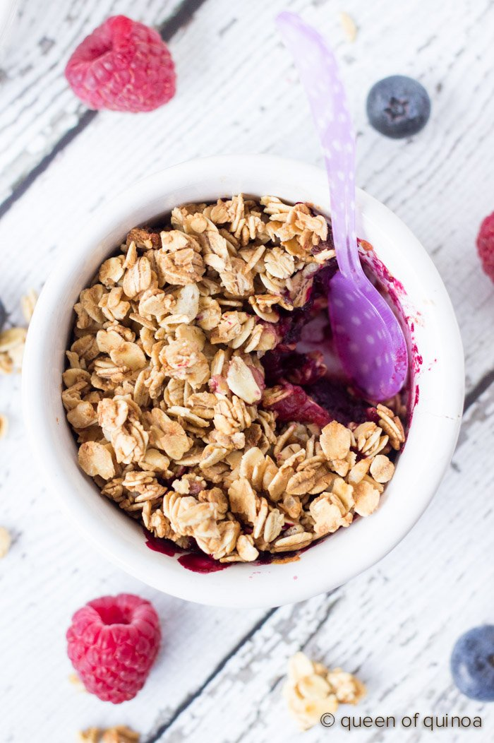 A 5-ingredient Berry Crumble just in time for Mother's Day Brunch!
