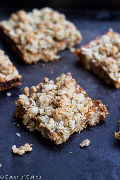 Gluten-Free Apricot Oatmeal Bars - simple, healthy & delicious. #glutenfree #healthy