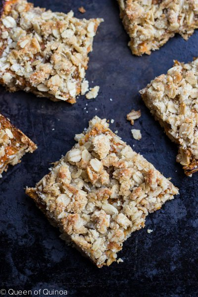 Gluten-Free Apricot Oatmeal Bars - simple, healthy & delicious! #glutenfree #healthy
