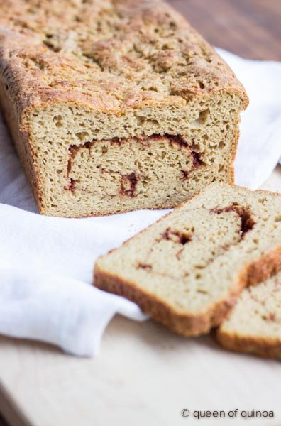 Gluten-Free Cinnamon Swirl Bread | recipe on simplyquinoa.com | #glutenfree