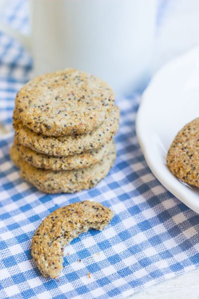 Lemon Poppy Seed Cookies via @alyssarimmer | #glutenfree #healthy