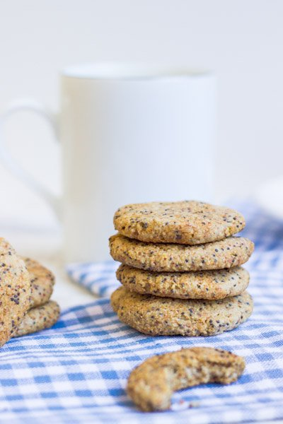 Lemon Poppy Seed Cookies via @alyssarimmer | #glutenfree #healthy