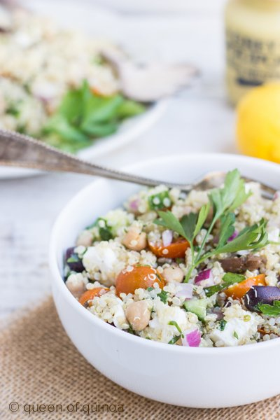 Quinoa Greek Salad with Chickpeas and 20 other quinoa salad recipes you should be enjoying this spring!