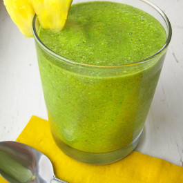 rp_Vegan+Green+Smoothie+with+Pineapple_Queen+of+Quinoa.jpg