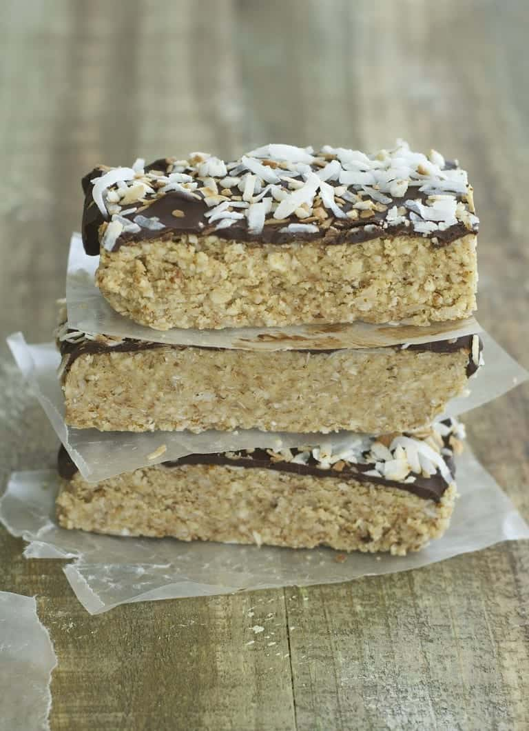 No Bake Toasted Coconut and Almond Granola Bars Maebells