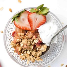 Balsamic Strawberry & Rhubarb Crisp