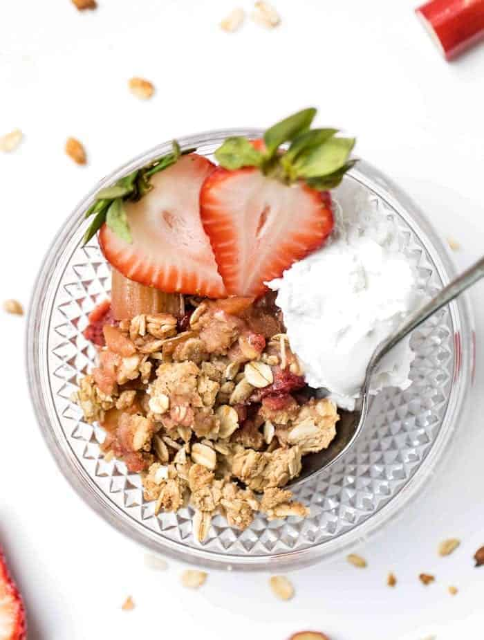 balsamic strawberry & rhubarb crisp with a health oatmeal topping