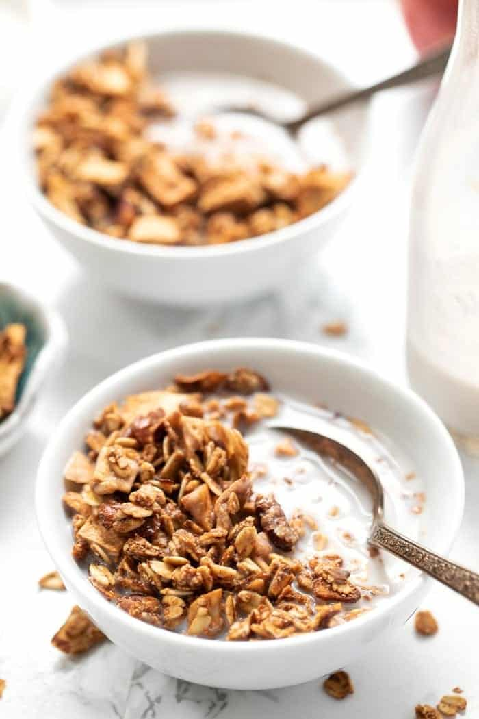 Apple Cinnamon Granola with Quinoa Flakes