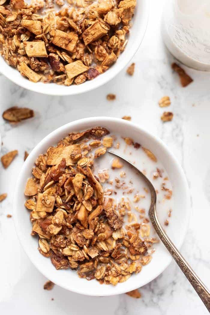 Healthy Apple Cinnamon Quinoa Granola Recipe