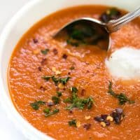 Roasted Red Pepper + Tomato Quinoa Soup -- ready in 30 minutes, hearty, healthy and delicious! [vegan + gluten-free]