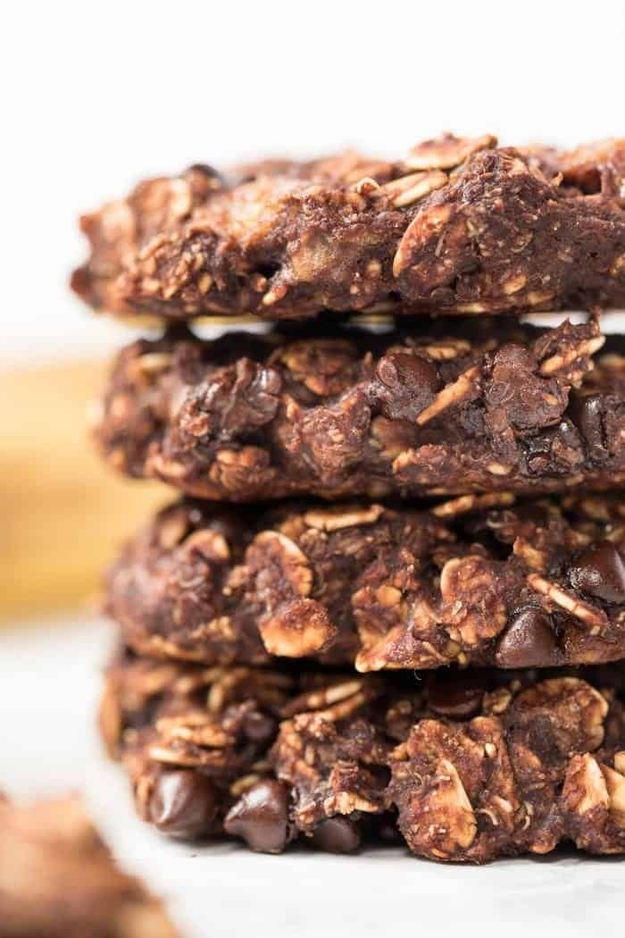 Vegan Oatmeal Cookies with Chocolate and Banana