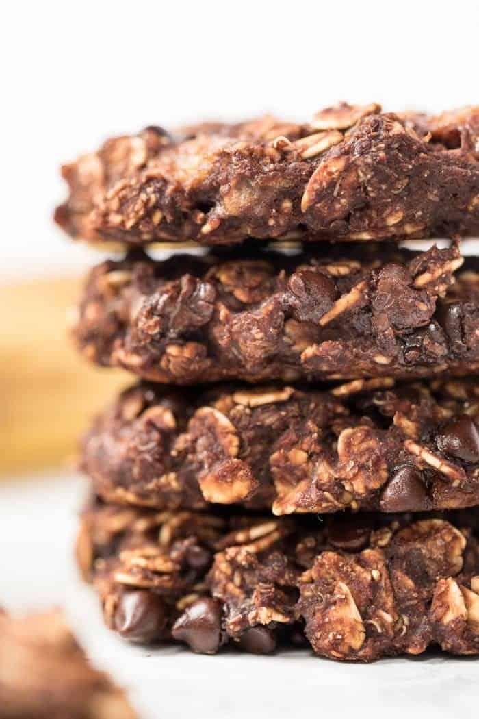 Vegan Oatmeal Cookies with Chocolate and Banana
