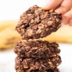 Healthy Oatmeal Cookies with Banana and Chocolate