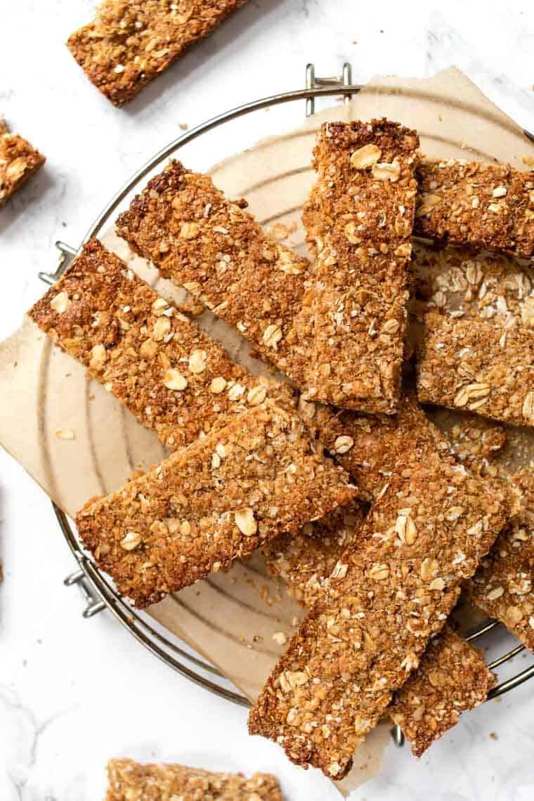 Crispy Gluten-Free Granola Bars with Quinoa