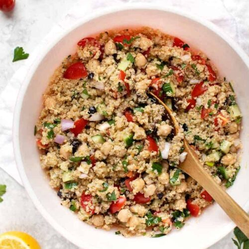 Greek Quinoa Salad with Chickpeas