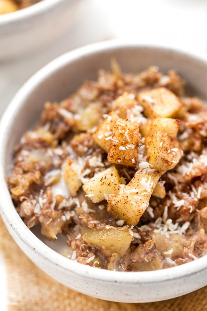 simple quinoa breakfast recipe with apples and cinnamon
