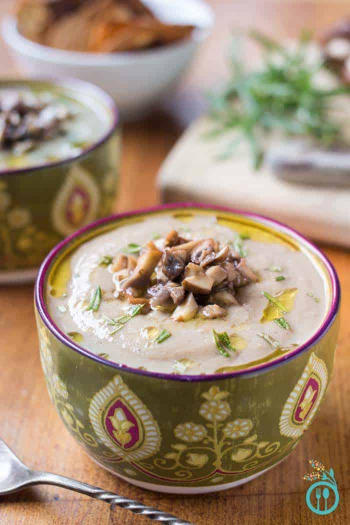 vegan-cream-of-mushroom-soup