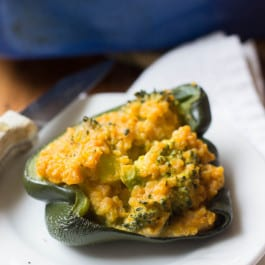 Quinoa Stuffed Peppers with Broccoli & cheese - AND made with the base of my 5-ingredient mac and cheese!