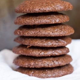 Dark Chocolate Quinoa Cookies [+ a video]