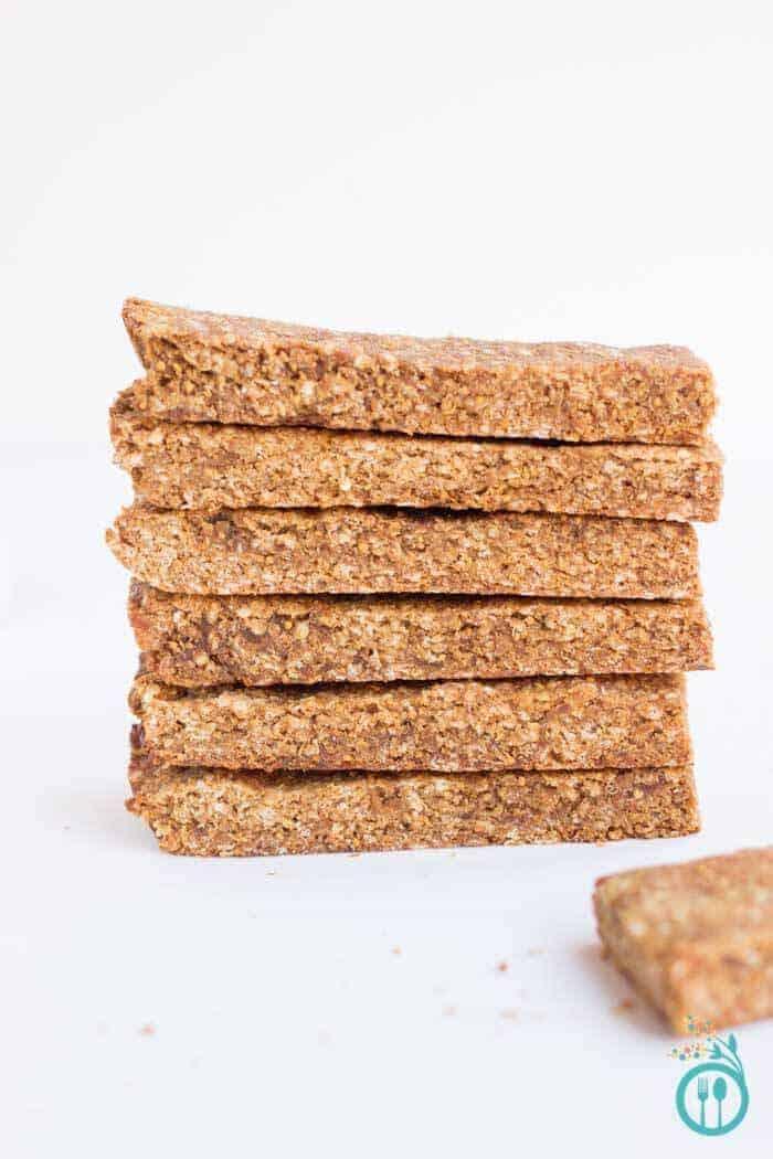 5 ingredient quinoa granola bars from Simply Quinoa