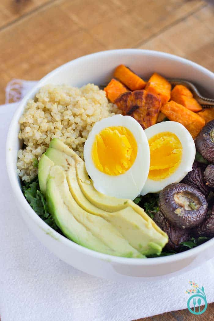 simply-quinoa-lunch-bowl-3