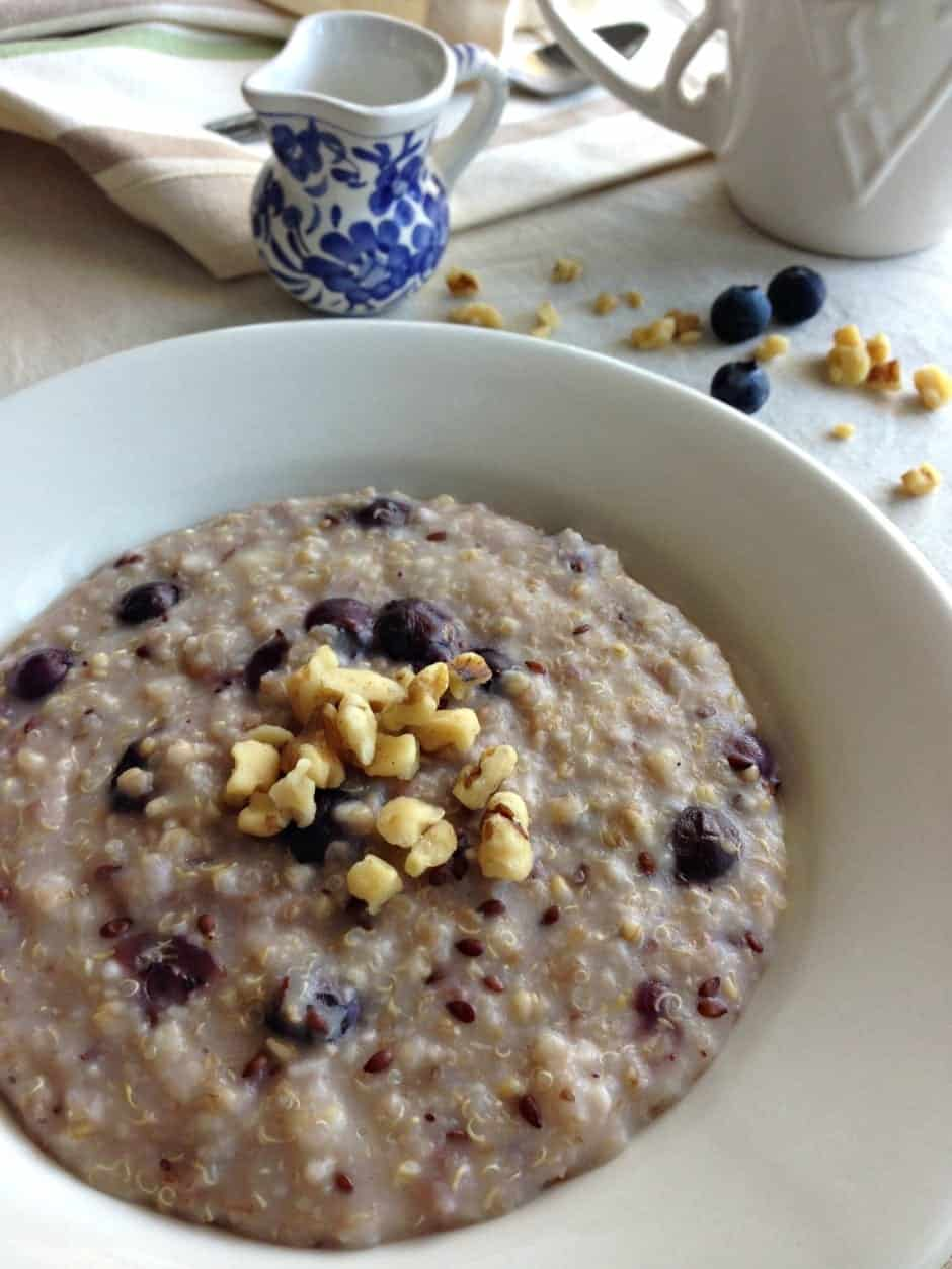 slow cooker blueberry muffin oats and quinoa