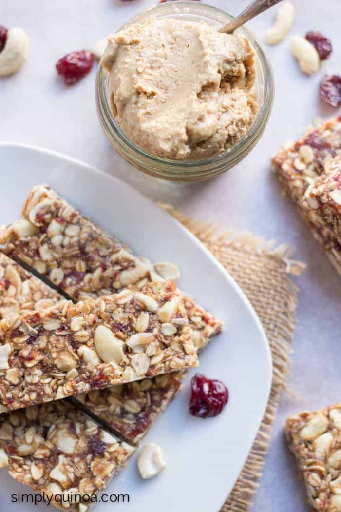Healthy Cashew-Cherry Quinoa Granola Bars - made with all natural ingredients, gluten-free + vegan!