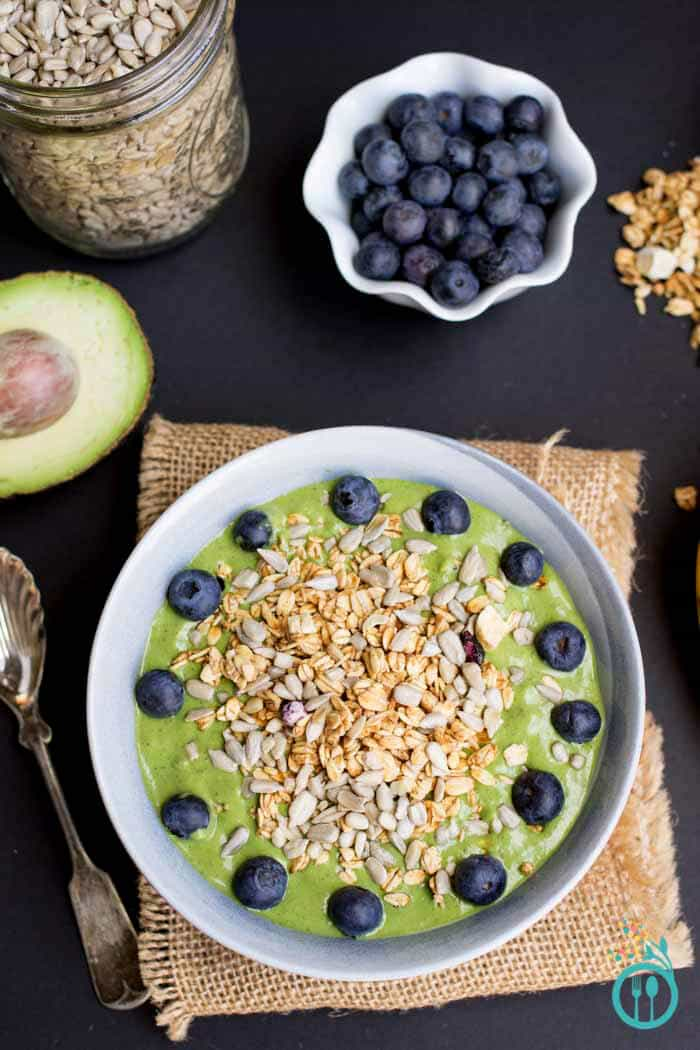 ultimate-green-smoothie-bowl
