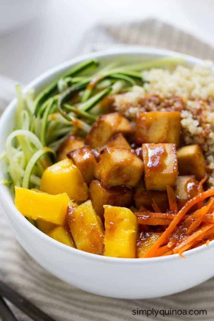Teriyaki Quinoa Bowls with crispy baked tofu, spiralized veggies and fluffy quinoa