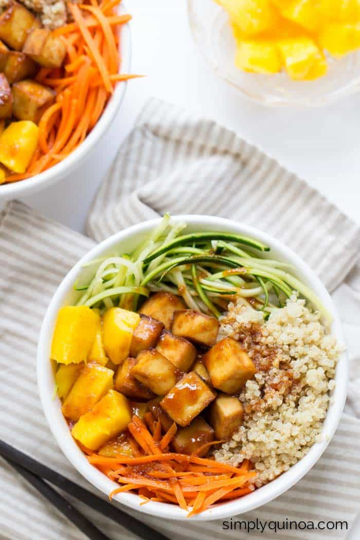 Teriyaki Quinoa Bowls | www.simplyquinoa.com | These vegetarian quinoa bowls make for an easy and delicious weeknight meal