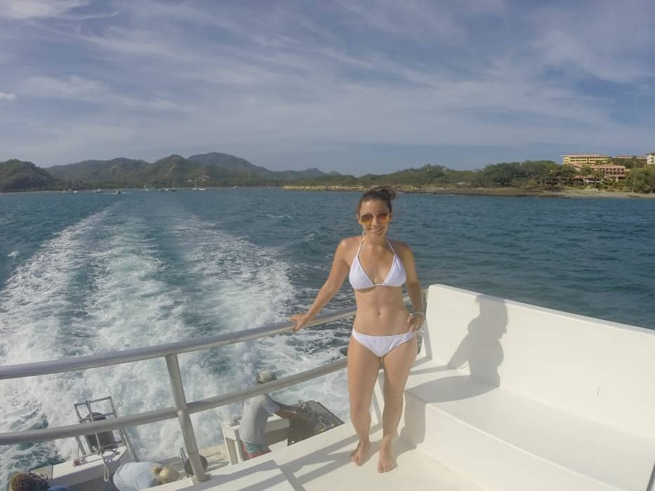 Take the boat out the Catalina Islands in Costa Rica | www.simplyquinoa.com