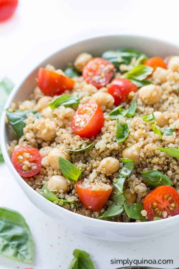 Caprese Quinoa Salad with tomatoes, basil and chickpeas | recipe on simplyquinoa.com
