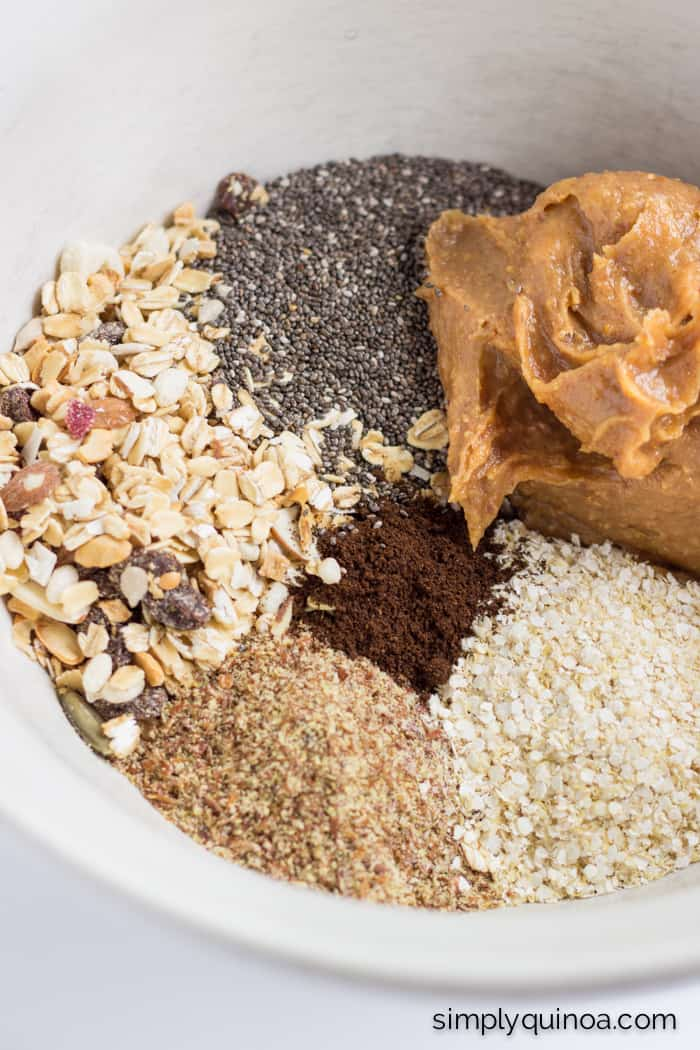 How to make the BEST energy bites: muesli, quinoa flakes, peanut butter + more!   full recipe on simplyquinoa.com
