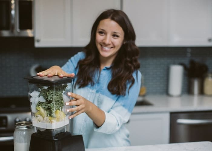 Alyssa Rimmer of Simply Quinoa | showing you how 6 ways of making quinoa for breakfast | simplyquinoa.com