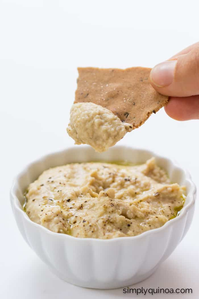 These quinoa crackers are AMAZING - they're also gluten-free + vegan | recipe on simplyquinoa.com