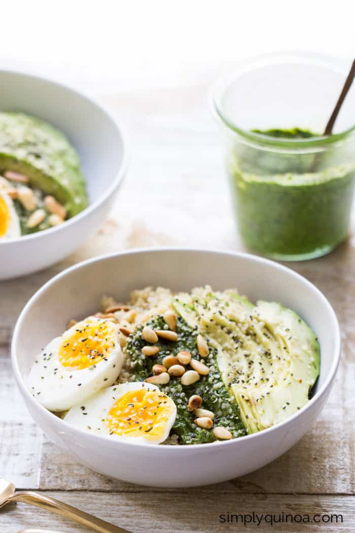 Pesto Quinoa Breakfast Bowls -- delicious, easy, healthy and comes together in less than 15 minutes | recipe on simplyquinoa.com
