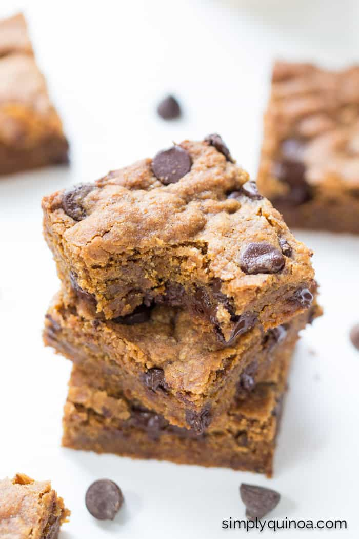 These chocolate chip quinoa cookie bars are soft, chewy and perfectly sweetened - they make the most delicious vegan treat! {gluten-free}