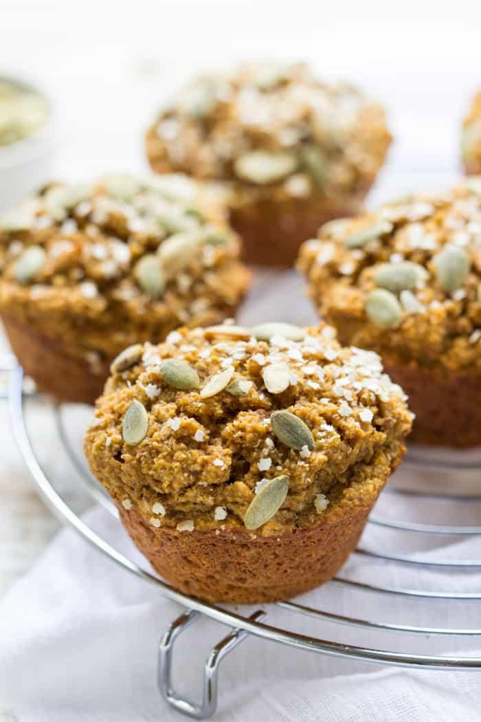 Skinny Pumpkin Quinoa Muffins - sweetened naturally, gluten-free + vegan | recipe on simplyquinoa.com