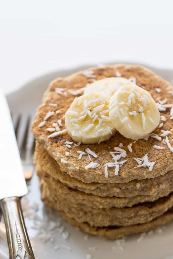 Healthy Cinnamon Oatmeal Quinoa Pancakes - these pancakes are also gluten-free AND vegan | recipe on simplyquinoa.com