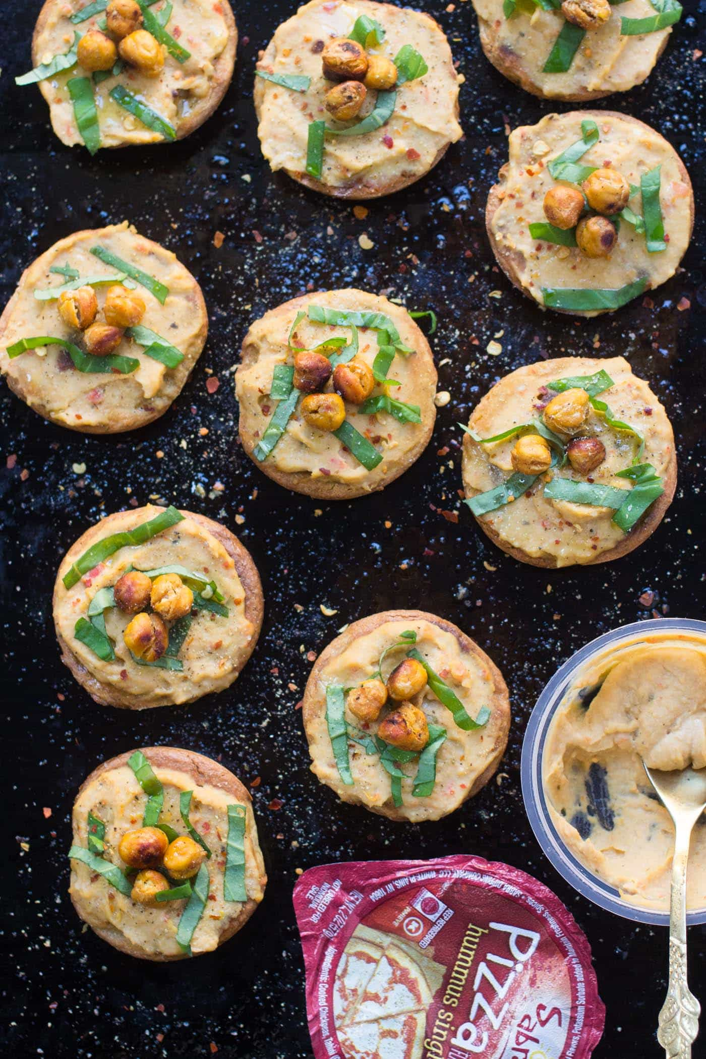 These would be the perfect dish for all my vegan friends - filled with protein, tastes like pizza AND made with quinoa? Perfection!