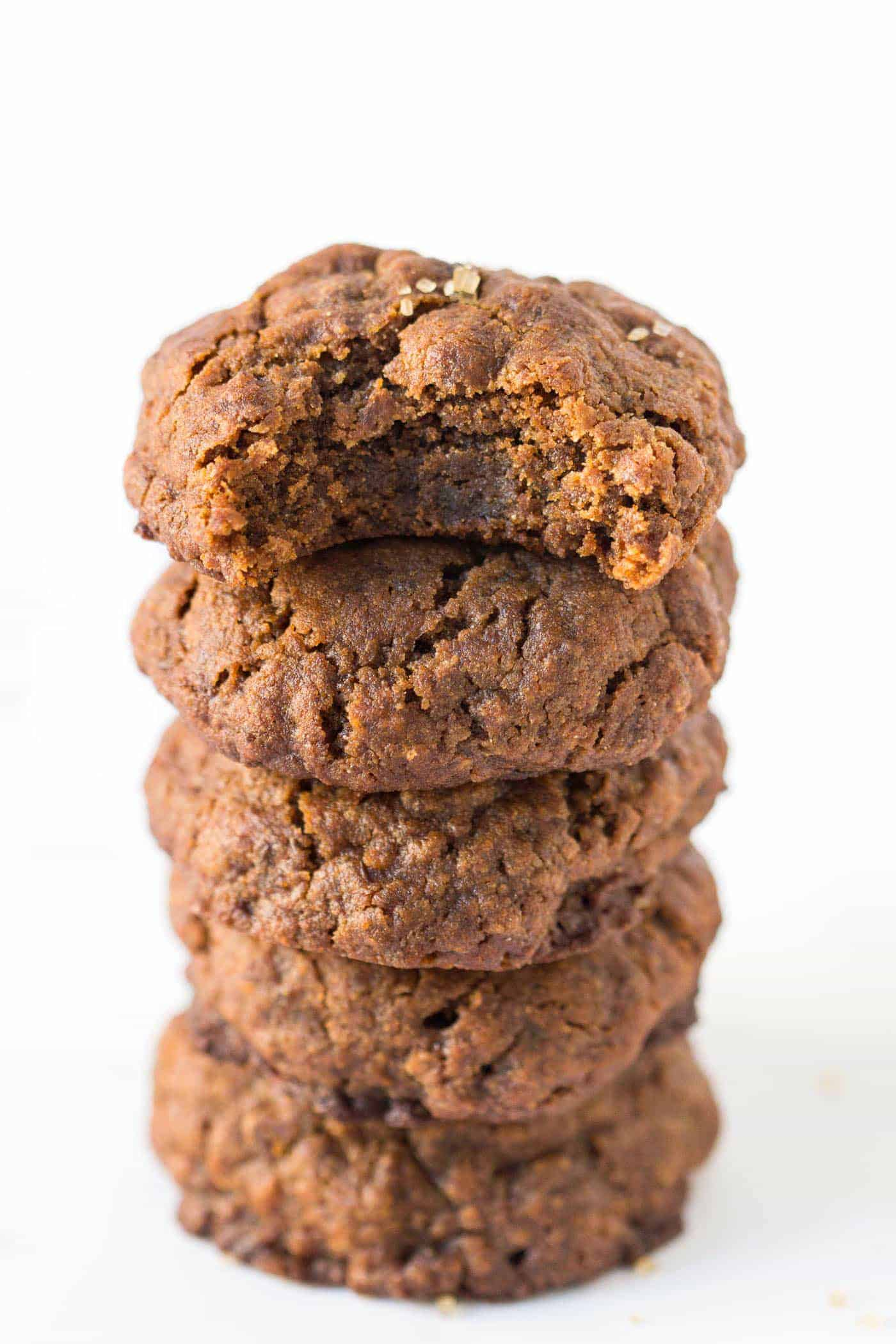Next holiday cookie swap I'm definitely bringing these vegan gingersnaps! They look so easy to make and I love the healthy ingredients!