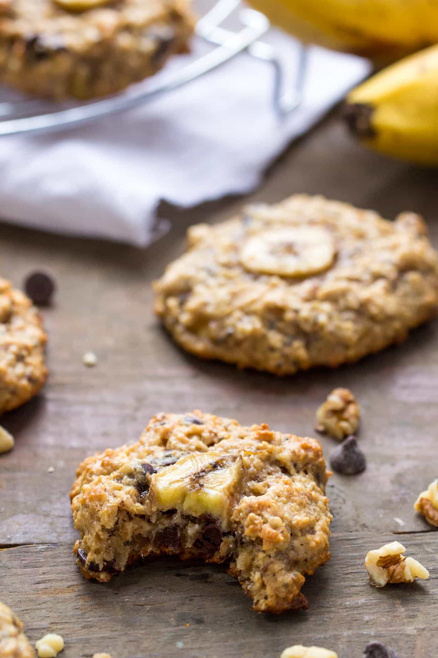 The BEST quinoa breakfast cookies -- chunky monkey flavored made with banana, peanut butter and chocolate chips!