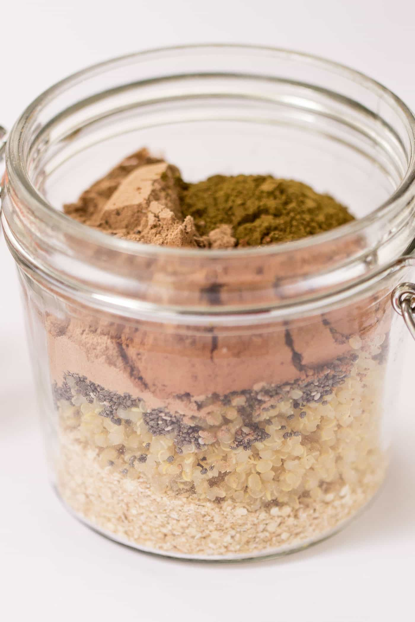 How to make the perfect batch of DARK CHOCOLATE OVERNIGHT QUINOA....the secret is in the triple chocolate powder combo!
