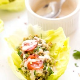 These make for a PERFECT lunch! Smashed Chickpea + Quinoa Lettuce Wraps that use avocado to replace the mayo!