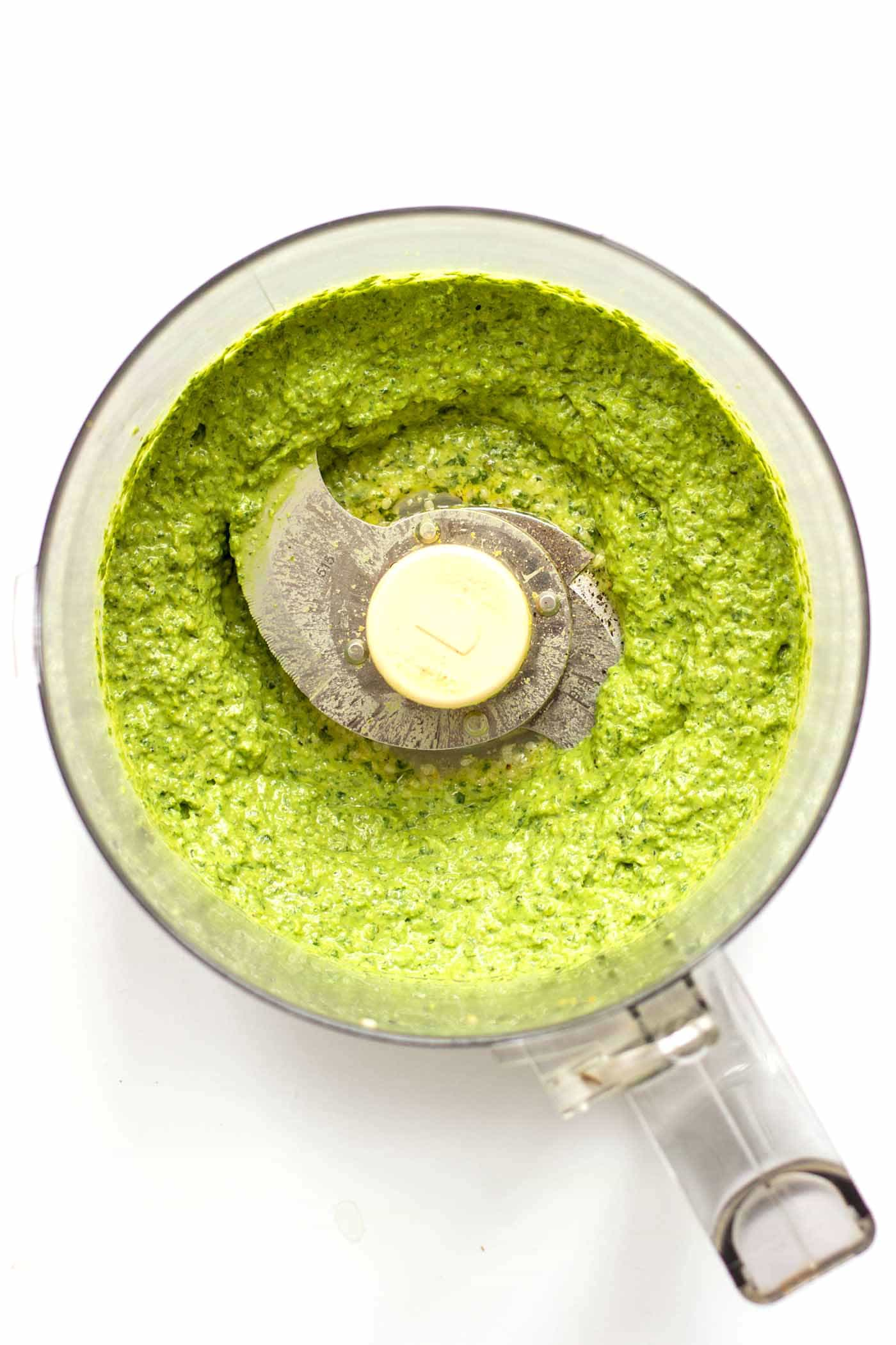 VEGAN HEMP SEED PESTO! Learn how to make this healthy and easy pesto using hemp seeds and avocado!