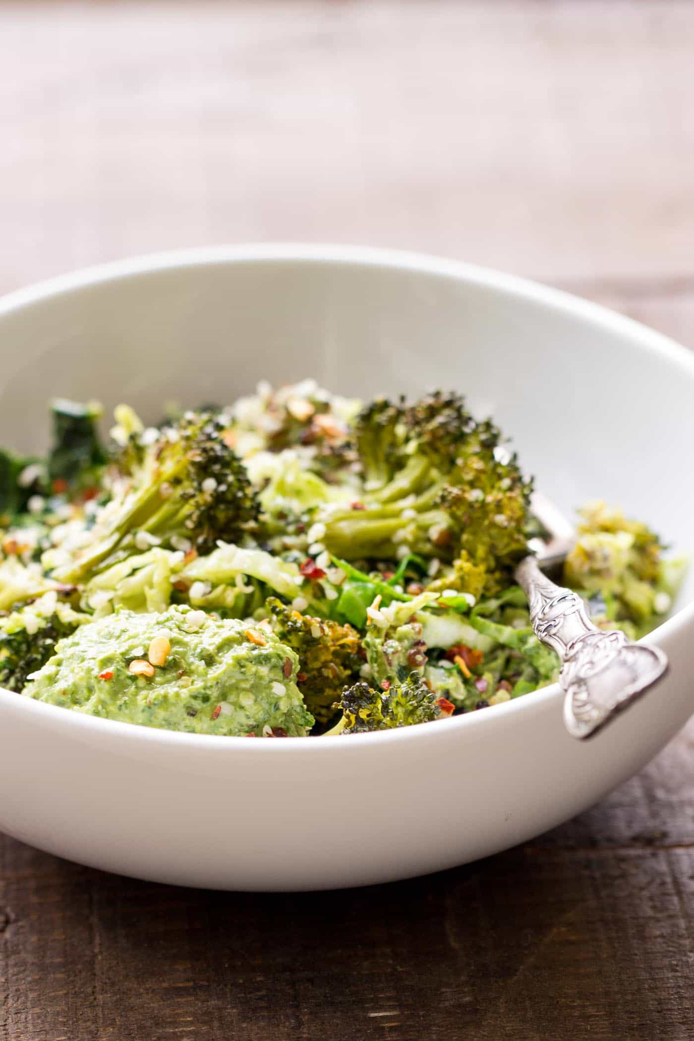 WINTERY GREEN QUINOA BOWLS...with avocado and hemp seed pesto!