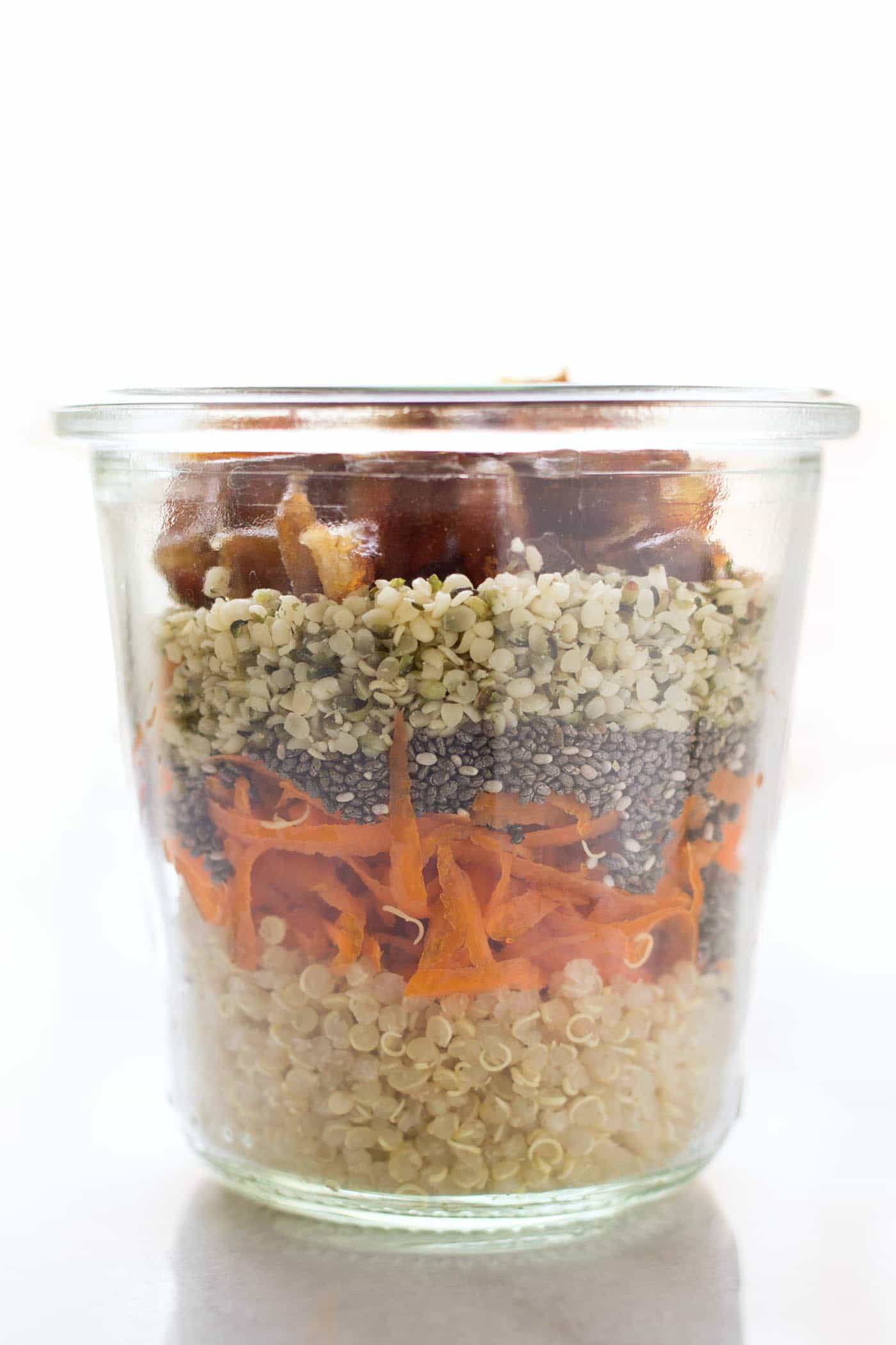Classic carrot cake flavors transformed into a healthy breakfast treat >> Carrot Cake Chia Pudding!
