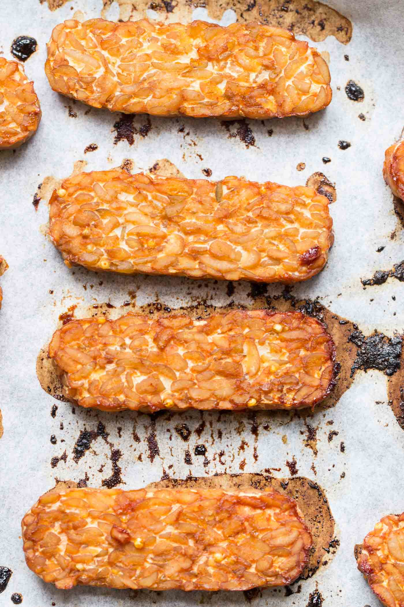 How to make perfect baked tempeh -- tastes like bacon only healthy + vegan!