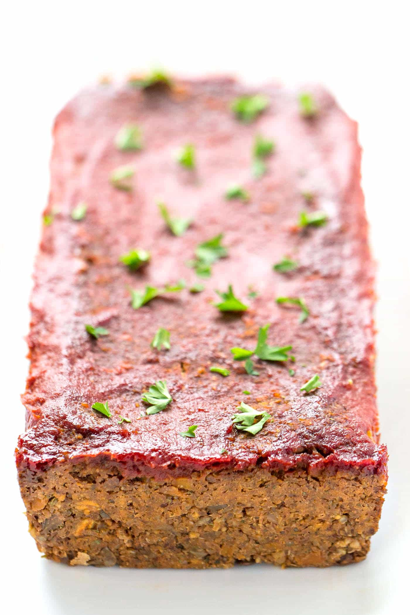 QUINOA MEATLOAF -- made with lentils, mushrooms and walnuts for a surprising meat-like texture! [vegan + gluten-free]