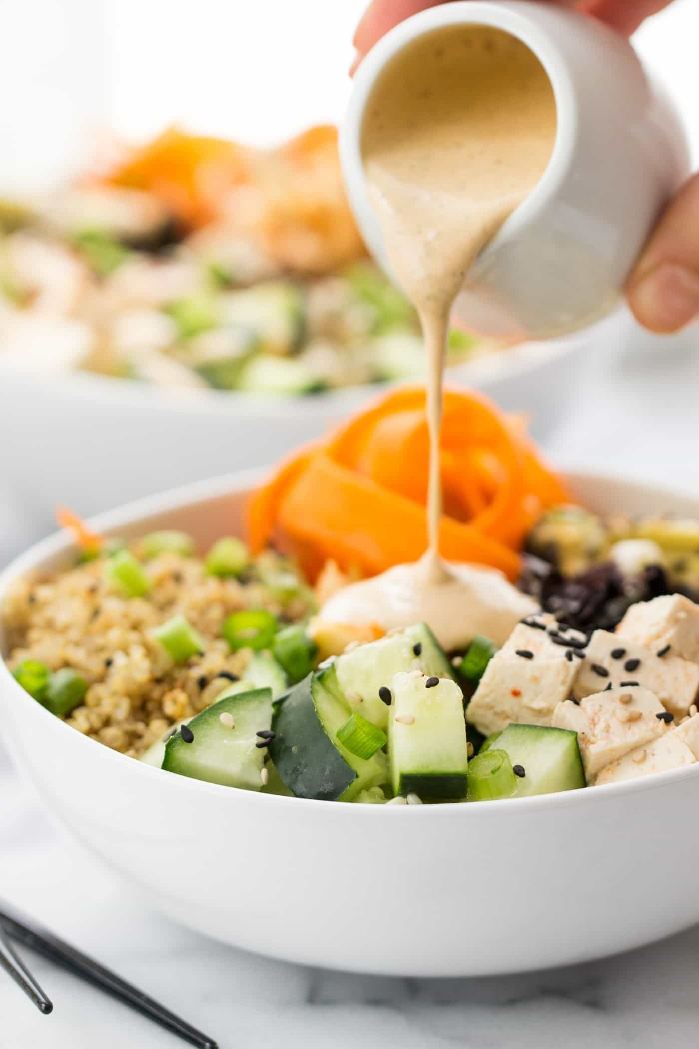 QUINOA SUSHI BOWLS with a spicy miso-ginger dressing {vegan}